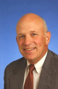 Richard D Hole